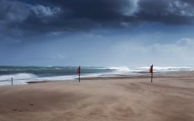 Обои море, волны, ветер, берег, флажки