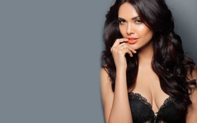 Обои Esha Gupta, bollywood, celebrity, индийский, actress, indian, cute
