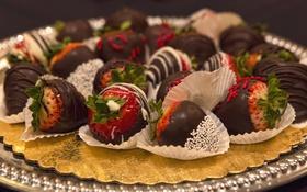 Обои шоколад, клубника, десерт, лакомство