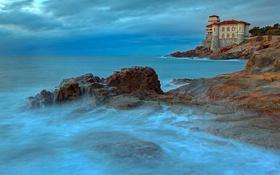 Картинка море, тучи, камни, замок, скалы, Италия, Ливорно