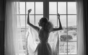 Картинка девушка, капли, поза, окно, черно-белое