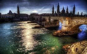 Обои мост, река, HDR, дома, вечер, фонари, башни