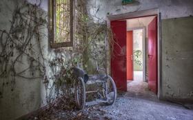 Обои комната, дверь, коляска