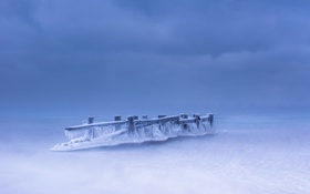 Обои море, лёд, опоры