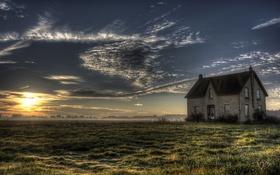 Обои поле, дом, утро