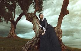 Обои деревья, природа, лицо, волосы, Девушка, платье