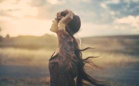 Картинка девушка, ветер, длинные волосы