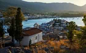 Обои Poros, Греция, дома, река, горы, деревья