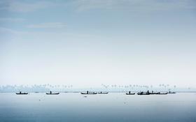 Обои лодка, Индия, силуэт, ловцы моллюсков, штат Керала, озеро Вембанад