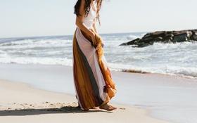 Картинка песок, пляж, девушка, юбка