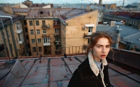 Обои девушка, пирсинг, веснушки, рыжеволосая, на крыше, Roman Filippov