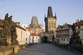 Картинка башня, дома, утро, Прага, Чехия, Карлов мост
