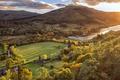 Картинка поля, домики, горы, деревья, Tuirc, Шотландия, солнце