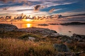 Картинка море, небо, трава, облака, закат, камни, побережье