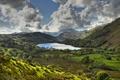 Картинка небо, деревья, горы, озеро, поля, Англия, долина