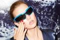 Картинка крупный план, лицо, рука, очки, фотограф, американская, супермодель