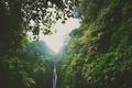 Картинка зелень, холмы, водопад