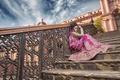 Картинка лестница, индианка, сари