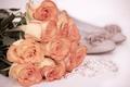 Картинка нежность, розы, ожерелье, туфли, винтаж