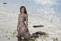 Картинка девушка, поза, река