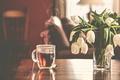 Картинка чай, букет, тюльпаны