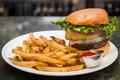 Картинка бутерброд, соус, гамбургер, картофель, фри