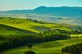 Картинка зелень, трава, деревья, горы, поля, Италия, панорама