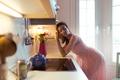 Картинка лицо, поза, волосы, мысли, Девушка, платье, кухня